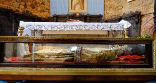 Το Ιερό Λείψανο της Αγίας Ελένης έρχεται για Πρώτη Φορά στην Ελλάδα – Δείτε αναλυτικά το πρόγραμμα με την υποδοχή του Ιερού Λειψάνου