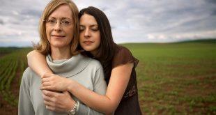 Στιγμές Οργής και Στοργής ανάμεσα σε Μάνα και Κόρη – Μια σχέση αυθεντική και πολύ δυνατή
