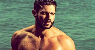 Κωνσταντίνος Βασάλος: Από παίκτης του Survivor, σε θέση Παρουσιαστή – Tο ξεπερασμένο μοντέλο της «γλάστρας» στην ελληνική tv καλά κρατεί