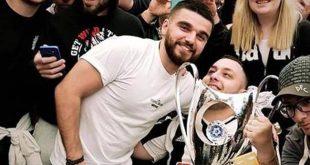 Ο τετραπληγικός φίλαθλος του ΠΑΟΚ Ανδρέας που σήκωσε το Κύπελλο μαζί με τον Σαββίδη μιλάει αποκλειστικά στο LABEL NEWS για το «όνειρό του που έγινε πραγματικότητα» και συγκινεί …