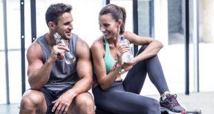 Το καλοκαίρι ήρθε, οι διακοπές σου πλησιάζουν και το γυμναστήριο πέρα από σύμμαχος, γίνεται και «προξενήτρα» – Μάθε τα μυστικά για το τέλειο φλερτ στο γυμναστήριο…