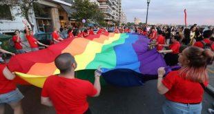 ΣΟΚ με την άνανδρη ρατσιστική επίθεση από αγνώστους σε Gay στην Θεσσαλονίκη που τους πέταξαν στην θάλασσα! (ΦΩΤΟ)