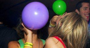 Το νέο θανατηφόρο ναρκωτικό, «αέριο του γέλιου», κάνει θραύση στα ελληνικά νησιά, σκοτώνοντας δεκάδες ανήλικα θύματα που το αγοράζουν μόλις 1 ευρώ ακόμη και από περίπτερα!