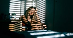 «Quarter Life Crisis»: Το σύνδρομο κατάθλιψης που «χτυπάει» την πόρτα στην γενιά 20 με 30 – Δες πώς σε επηρεάζει και πώς να το αντιμετωπίσεις …