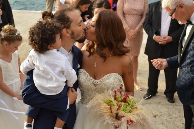 Οι επώνυμες εταιρίες ρούχων και οι λαμπεροί σχεδιαστές που εντυπωσίασαν  στον γάμο της Shaya και την βάφτιση του παιδιού της (PHOTO) - Label News 6934db5981b