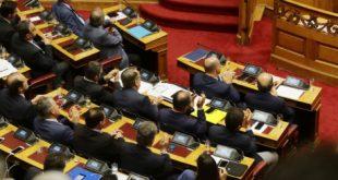 Η ΝΔ «έλυσε» όλα τα προβλήματα του ελληνικού λαού και κάνει σεμινάρια στους βουλευτές για το facebook